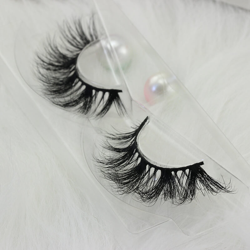 simple cute lashes EM36