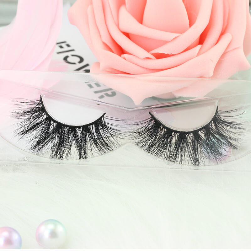 Strip and individual lashes EM51