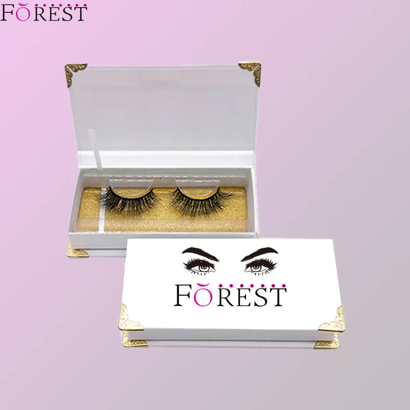 lashes box with corners F02