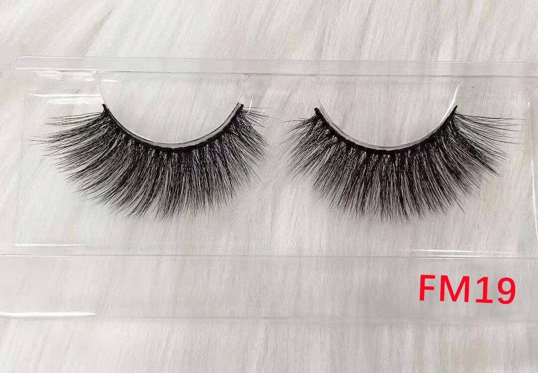 silk lashes FM19