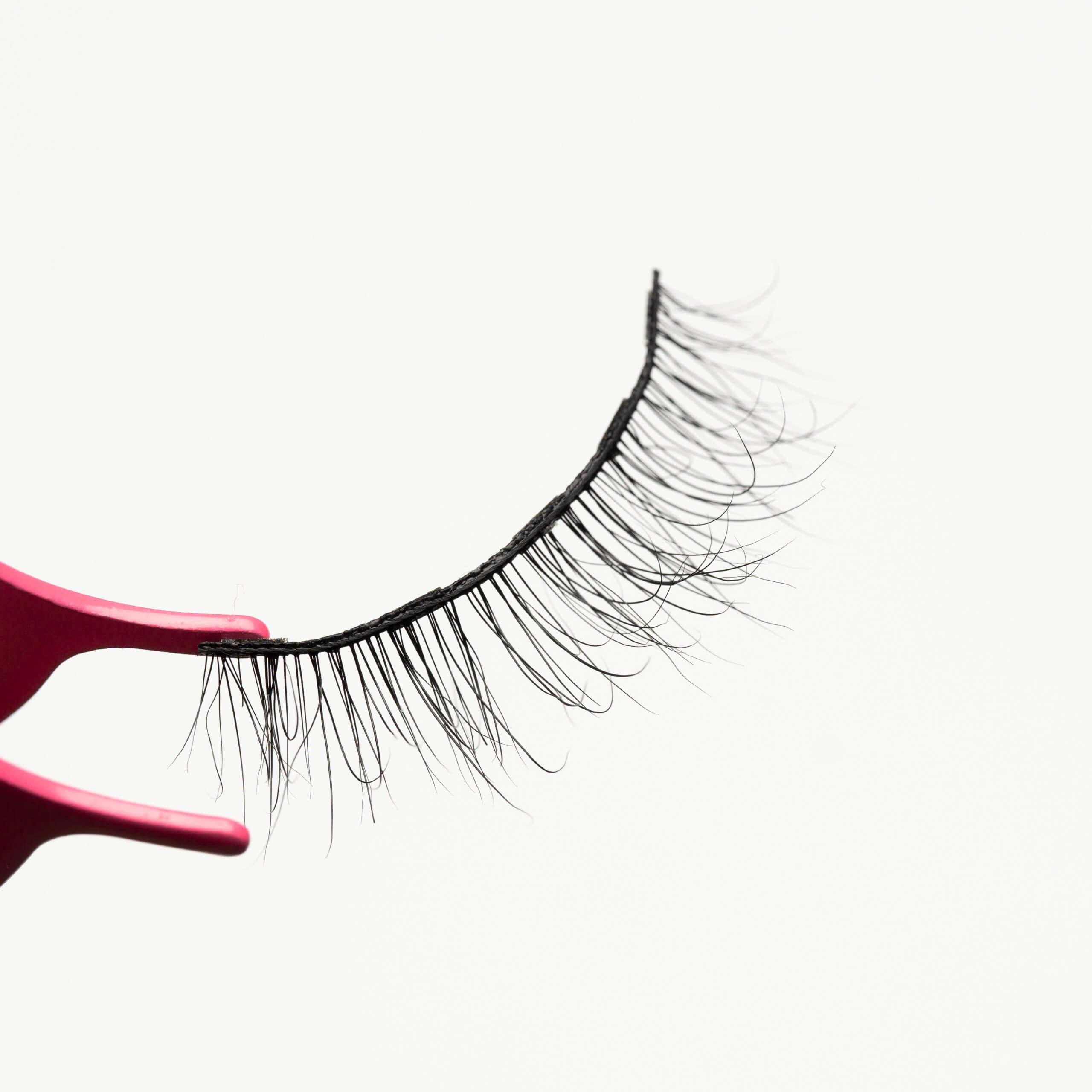 Beautiful voluminous magnetic lashes MG13
