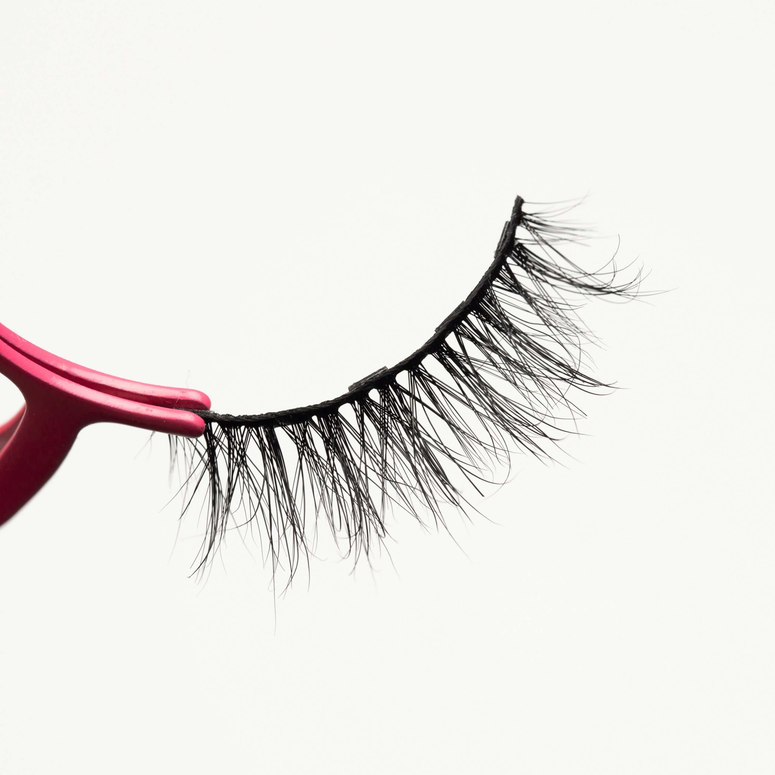 Magnetic lashes for occasions MG16